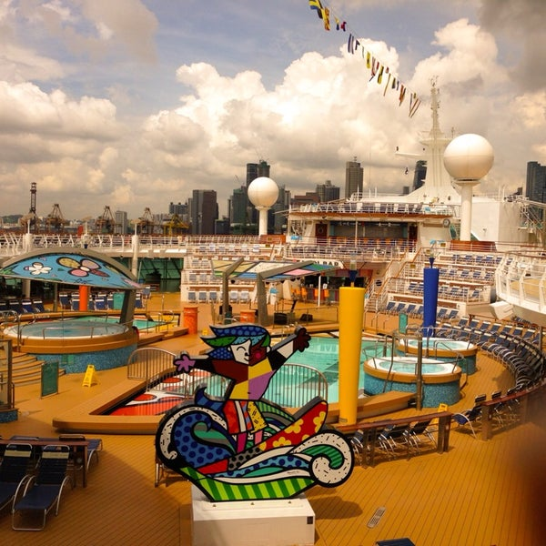 Cruising on a 'smartship,' the new Quantum of the Seas