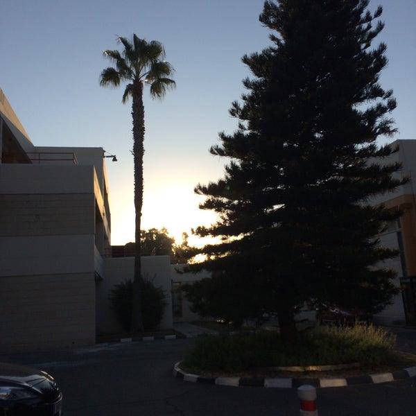 10/26/2016にLoizos L.がEuropean University Cyprusで撮った写真