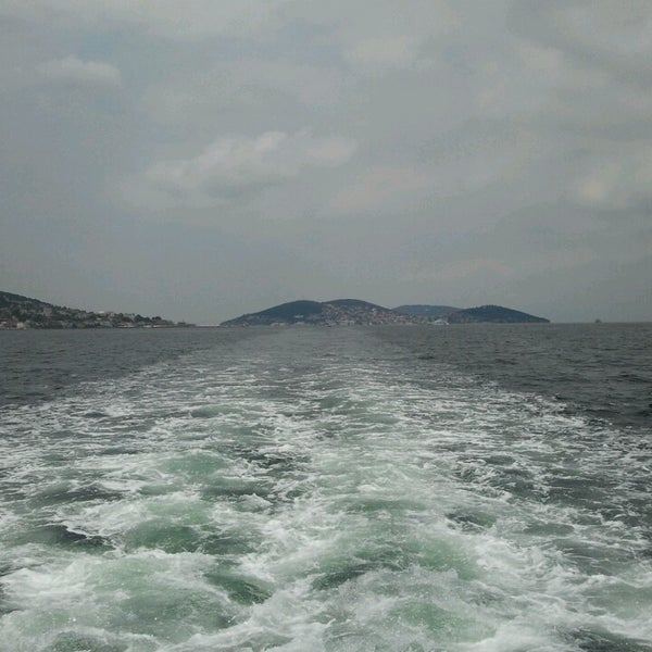 Photo taken at Büyükada Mavi Marmara Motor İskelesi by Fatma ☀ on 6/13/2013