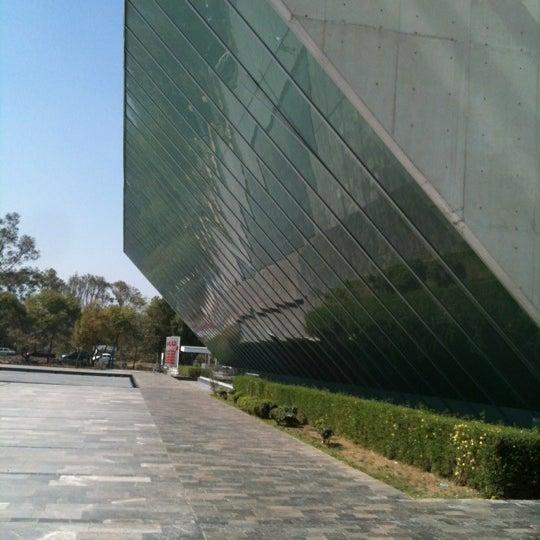 Foto tomada en MUAC (Museo Universitario de Arte Contemporáneo). por Andres C. el 12/9/2012