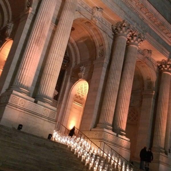 Gerçekten çok etkileyici,Newyork halk kütüphanesi görülmeye değer..insanda  harika hisler uyandırıyor.🙇🗽