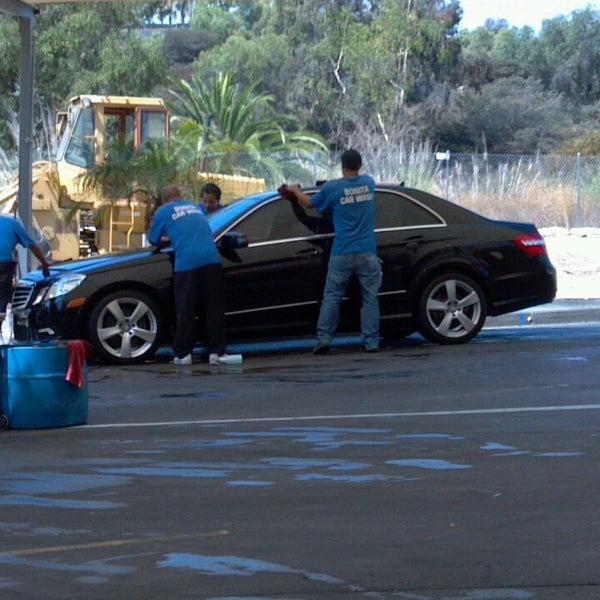 Do You Tip Car Wash Attendant