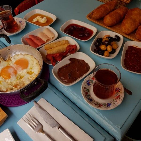 2/10/2018 tarihinde rookieicon z.ziyaretçi tarafından Otlangaç Kahvaltı & Kafe'de çekilen fotoğraf