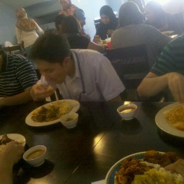 Photo taken at Restoran Mimpi Muor by Muhammad K. on 4/23/2014