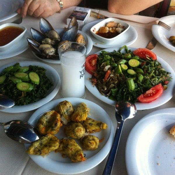 5/30/2013 tarihinde Arda Ç.ziyaretçi tarafından Cunda Deniz Restaurant'de çekilen fotoğraf