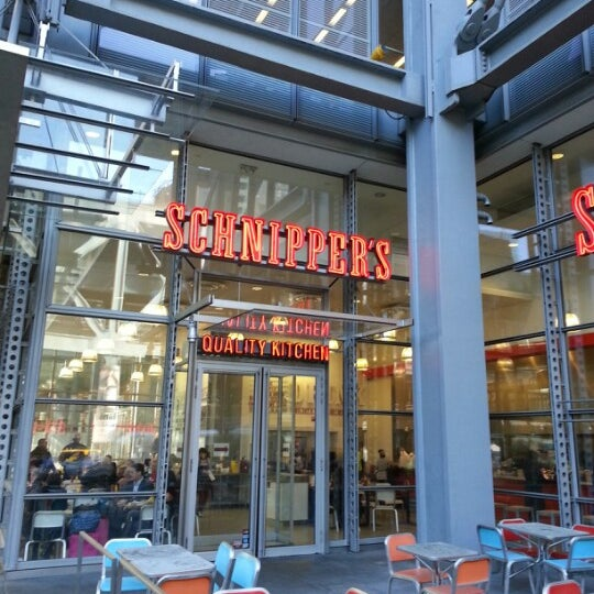 Photo taken at Schnipper's Quality Kitchen by Alex B. on 11/14/2012
