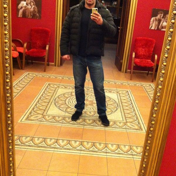 Снимок сделан в Театр-кабаре на Коломенской/ The Private Theatre and Cabaret пользователем Андрей У. 3/28/2013