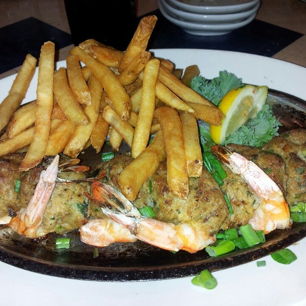 Photo taken at Deanie's Seafood by Amanda O. on 4/25/2013