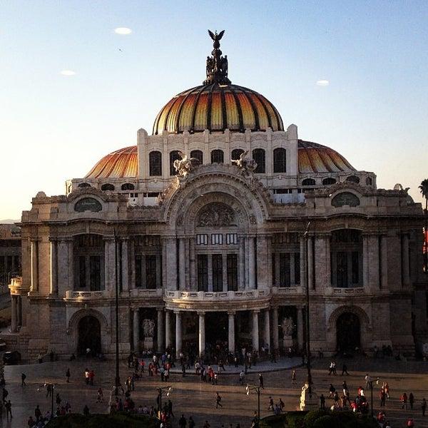 Foto tomada en Palacio de Bellas Artes por Karla el 6/12/2013