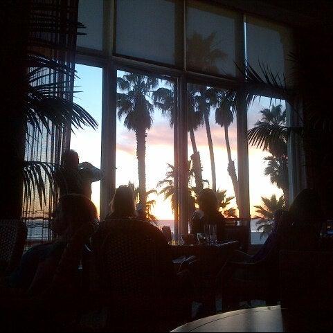 รูปภาพถ่ายที่ Casa Del Mar Hotel โดย Andy L. เมื่อ 2/28/2013