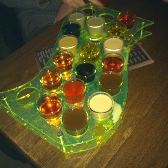 11/24/2012 tarihinde Xxziyaretçi tarafından Up Shot Bar'de çekilen fotoğraf