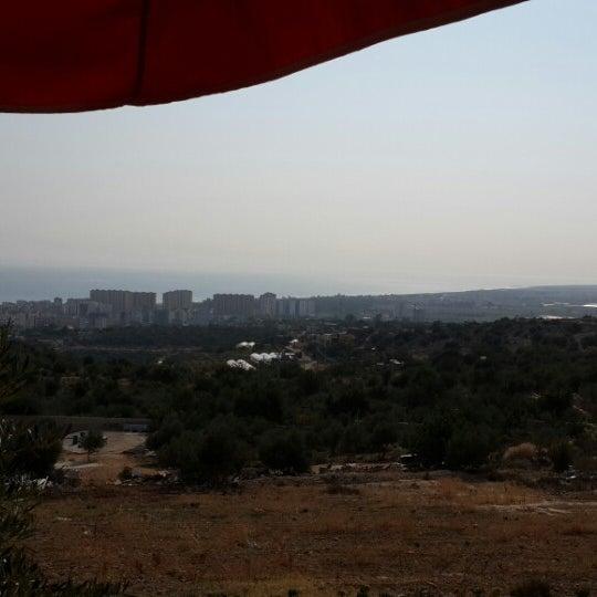Photo taken at Cennet Koyağı Kahvaltı Evi by Hakan K. on 11/10/2013