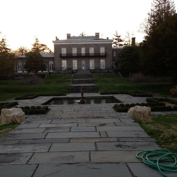 Photo taken at Bartow-Pell Mansion Museum by Rza on 4/17/2013