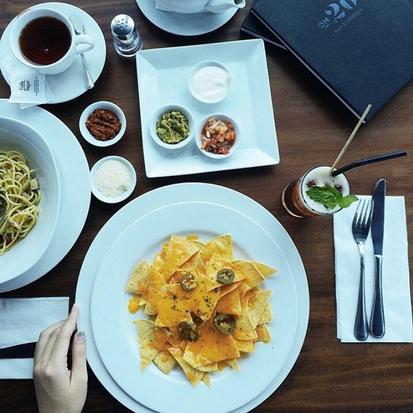 Morning fellas, found this shoot from our guest! do you have any lunch plan today ? Come to ON20 and feel the temptation!Credit Photo to @taneshatjiong#on20makassar | on20makassar.com