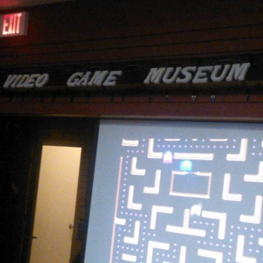 Photo taken at Game Over Videogames by Daniel S. on 12/16/2012