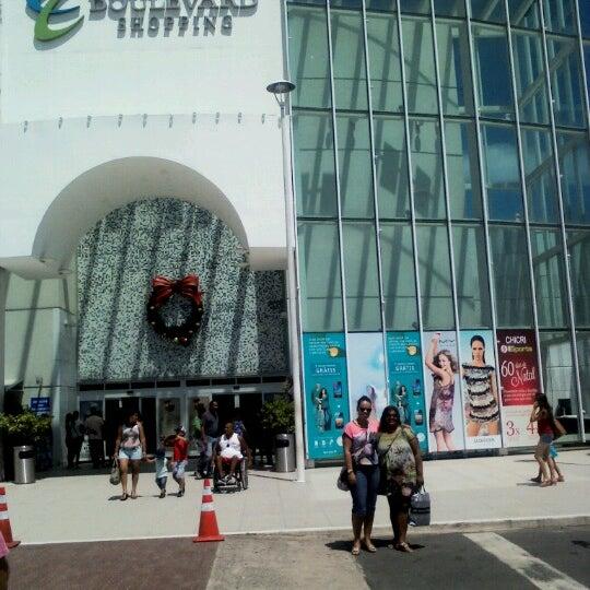 Foto tirada no(a) Boulevard Shopping Campos por Z_O_I em 12/16/2012