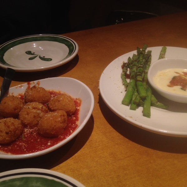 Photo Taken At Olive Garden By Jackson R. On 1/26/2014