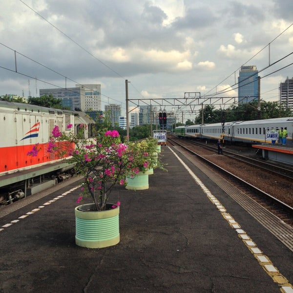 Photo taken at Stasiun Gambir by Danang P. on 3/9/2013