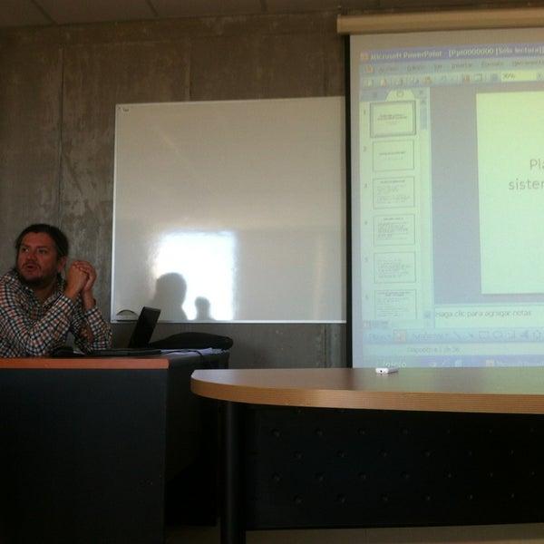 Foto tomada en Universidad Andrés Bello por Leonardo el 3/2/2013