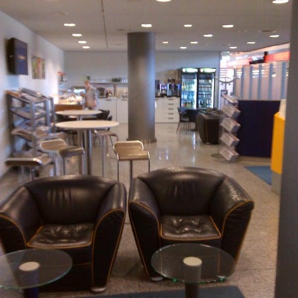 Foto tirada no(a) Lufthansa Senator Lounge por Steffen H. em 6/7/2014