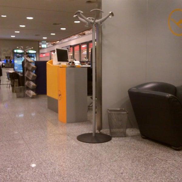 Foto tirada no(a) Lufthansa Senator Lounge por Steffen H. em 2/22/2014