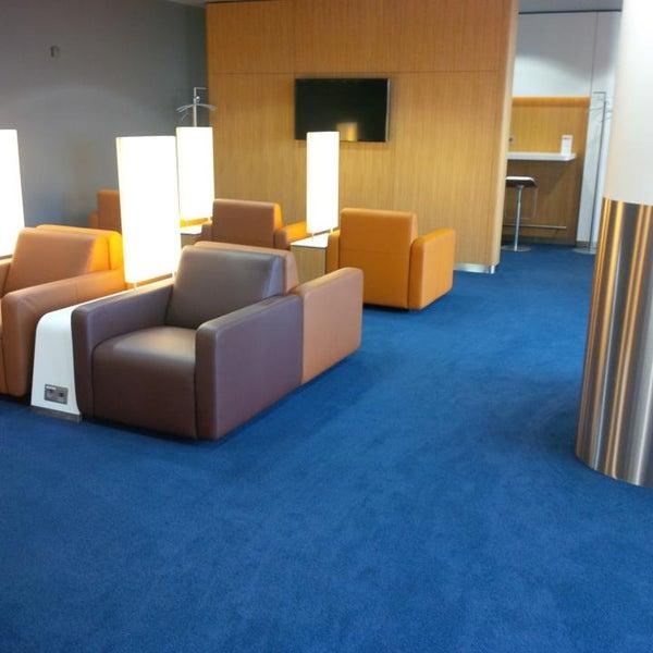 Foto tirada no(a) Lufthansa Senator Lounge por Steffen H. em 7/13/2014