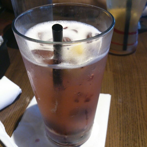 Photo taken at TGI Fridays by Nikki S. on 7/25/2013