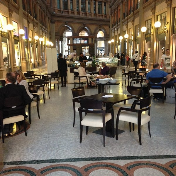 Foto scattata a Galleria Alberto Sordi da Giovanni M. il 9/27/2013