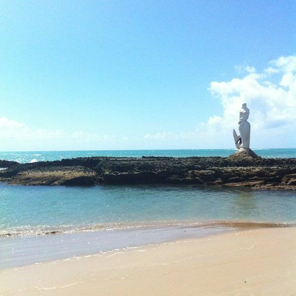 Foto tirada no(a) Praia Mirante da Sereia por Jasper em 3/16/2013