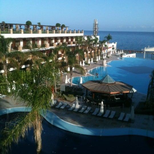 Foto scattata a Cratos Premium Hotel & Casino da DENIZ M. il 11/3/2012