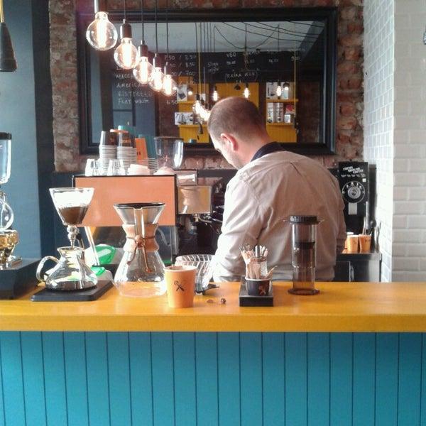 3/17/2014 tarihinde Murat E.ziyaretçi tarafından Manuel Deli & Coffee'de çekilen fotoğraf