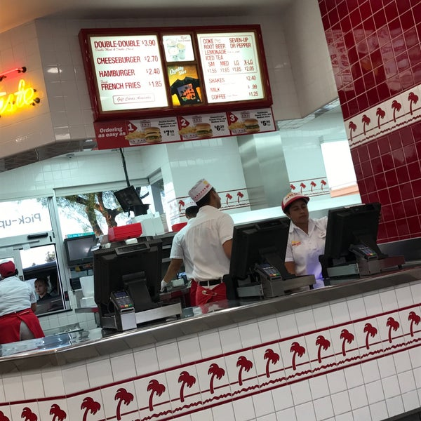 Photo taken at In-N-Out Burger by James on 9/7/2017