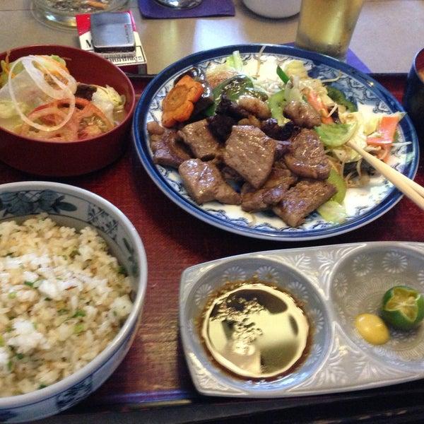 4/19/2013にWarren Z.がTanabe Japanese Restaurantで撮った写真