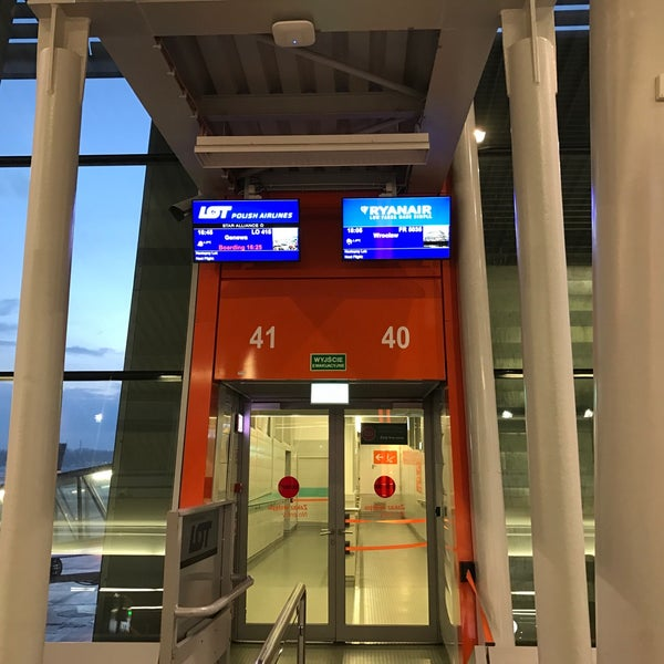 Photo taken at Gate 41 by oro on 1/15/2017