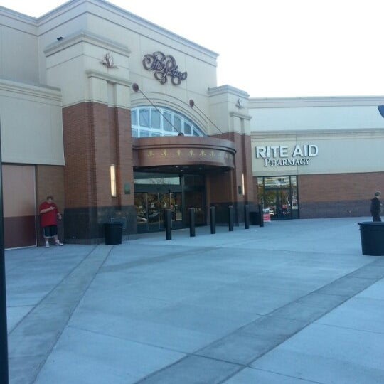 Photo taken at King of Prussia Mall by Jessica S. on 10/11/2012