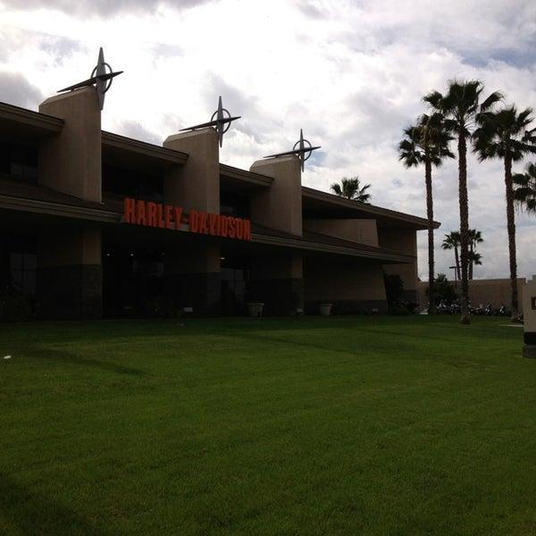 Foto tomada en Riverside Harley-Davidson por Adam el 2/21/2013