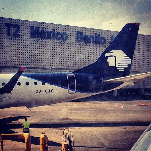 Terminal 2 terminal del aeropuerto en pe n de los ba os for Puerta 6 aeropuerto ciudad mexico