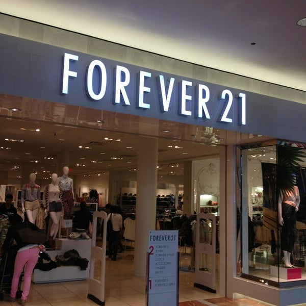 """IN STORES: Damaged, defective, or the wrong item(s) may be returned to any Forever 21, XXI, For Love 21, F21 Red, or Forever 21 """"$10 and Under"""" location within the United States for an exchange or refund. You must provide your order receipt / invoice and ."""