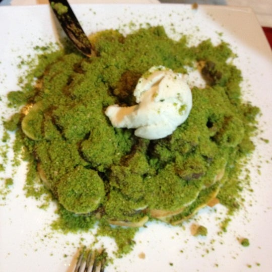 11/5/2012 tarihinde Andaç A.ziyaretçi tarafından Waffle Edem'de çekilen fotoğraf