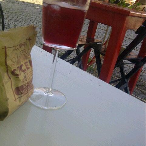 10/25/2012 tarihinde Gizem Y.ziyaretçi tarafından Ada Cafe'de çekilen fotoğraf