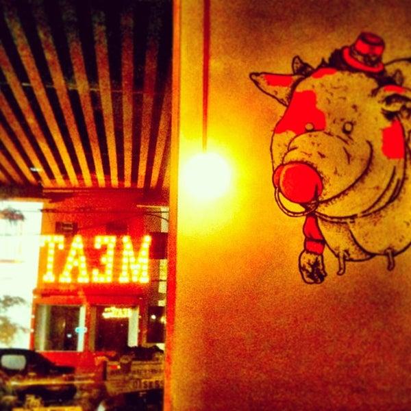 Foto tirada no(a) Meats por Luis Roberto em 1/5/2013