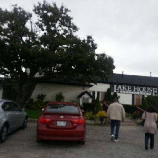 Photo taken at Lake House Restaurant by Shannon on 10/13/2012