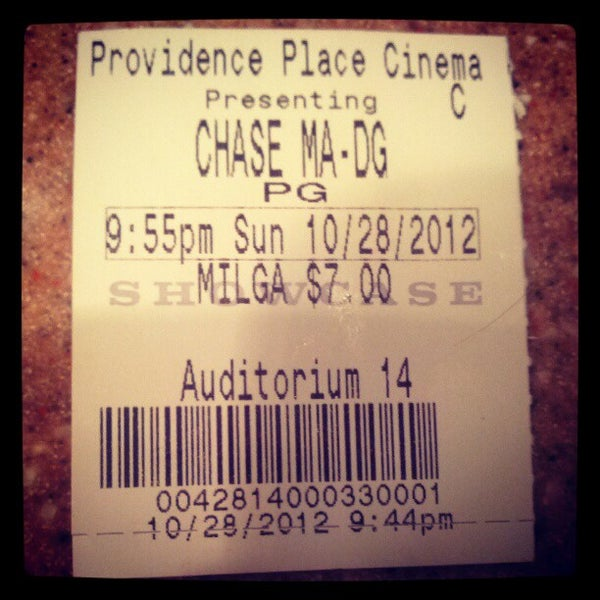 Photo taken at Showcase Providence Place & IMAX by Helen K. on 10/29/2012