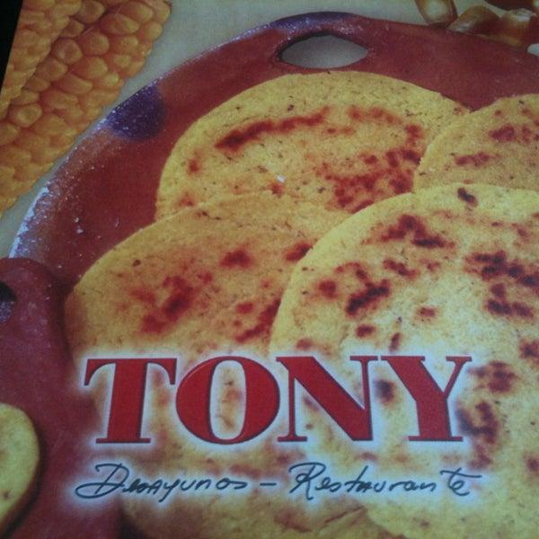 Foto tomada en Restaurante Tony por Juan el 12/31/2012