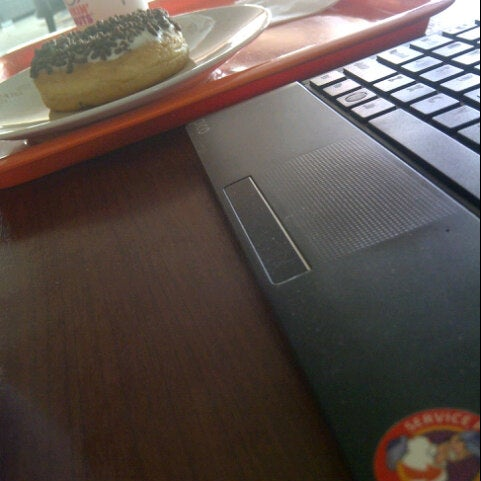Photo taken at Dunkin' Donuts by Deby Dwika A. on 12/18/2012