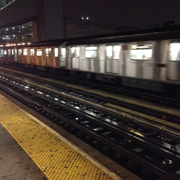 Photo taken at MTA Subway - Fordham Rd (4) by Yosef Y. on 12/7/2013