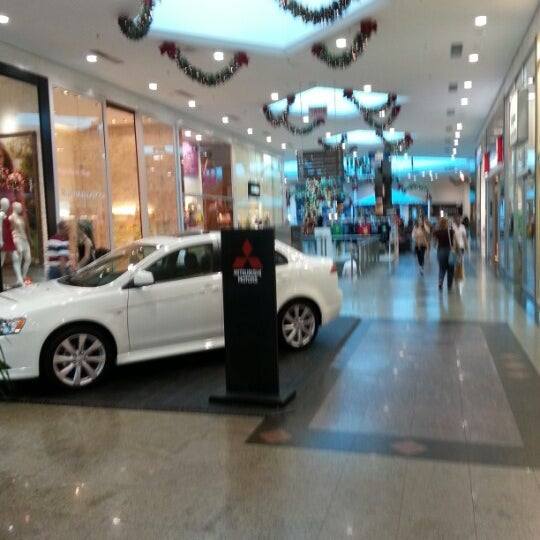 Foto tirada no(a) Shopping Neumarkt por Allan A. em 12/12/2012