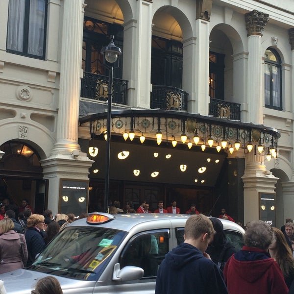 Foto scattata a The London Palladium da Anthony J. il 1/24/2015