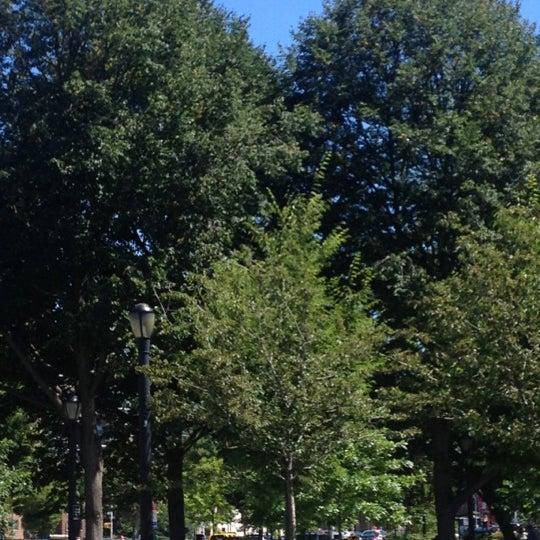 Das Foto wurde bei MacDonald Park von Tracy am 8/24/2013 aufgenommen