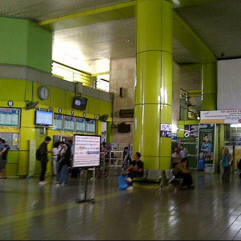 Photo taken at Stasiun Gambir by Eki P. on 3/30/2013